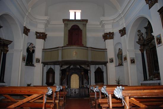 016-Tutto pronto in chiesa