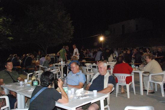 08 - 17 Agosto - Cena in piazza